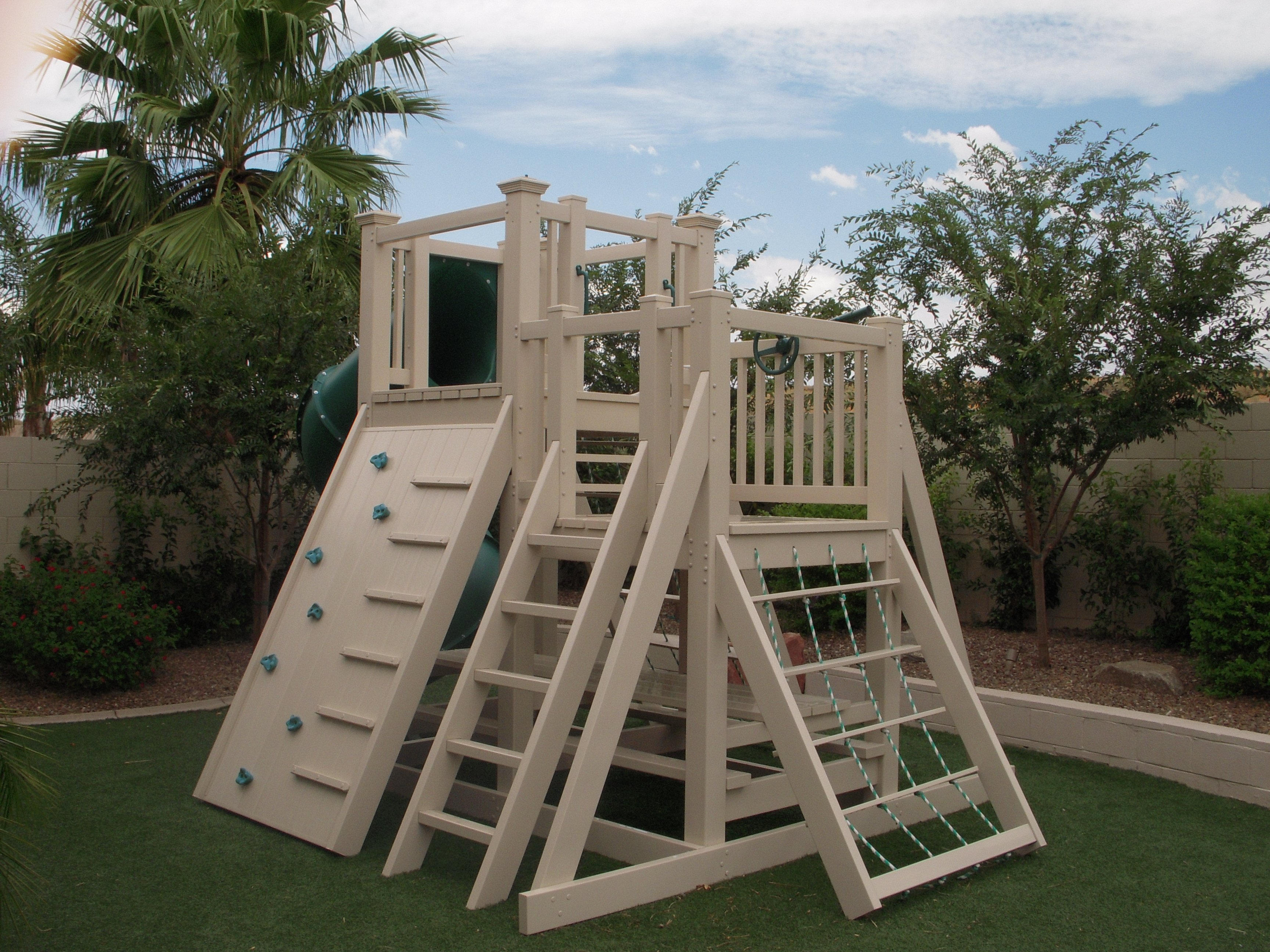 Product Gallery Ruffhouse Vinyl Play Systems